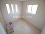 「一日」を始める部屋だから快適さにこだわりたい。温かい光に包まれたスッキリと片付いた居室は居心地がよい。 |富士見市水子第20の家 全3邸 2号棟(富士見市新築一戸建て)