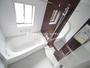 シャワートイレ完備 ペーパーホルダーが2つあるのでストック管理や急な来客にもスムーズも対応!(売主施工例) |朝霞市溝沼3期の家 全3邸 3号棟(朝霞市新築一戸建て)